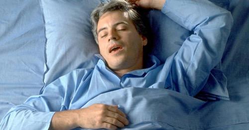 Horkolás és álmatlanság