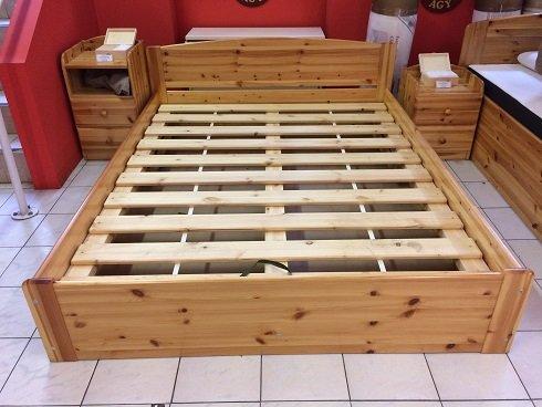 Fenyő ágyneműtartós ágy